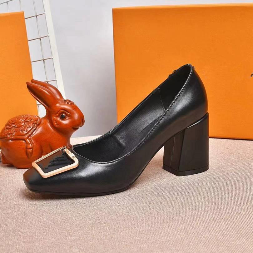 Novos sapatos de vestido para o verão 2021, saltos de desenhista de luxo, sapatos elegantes das mulheres com logotipo e caixa 8qas