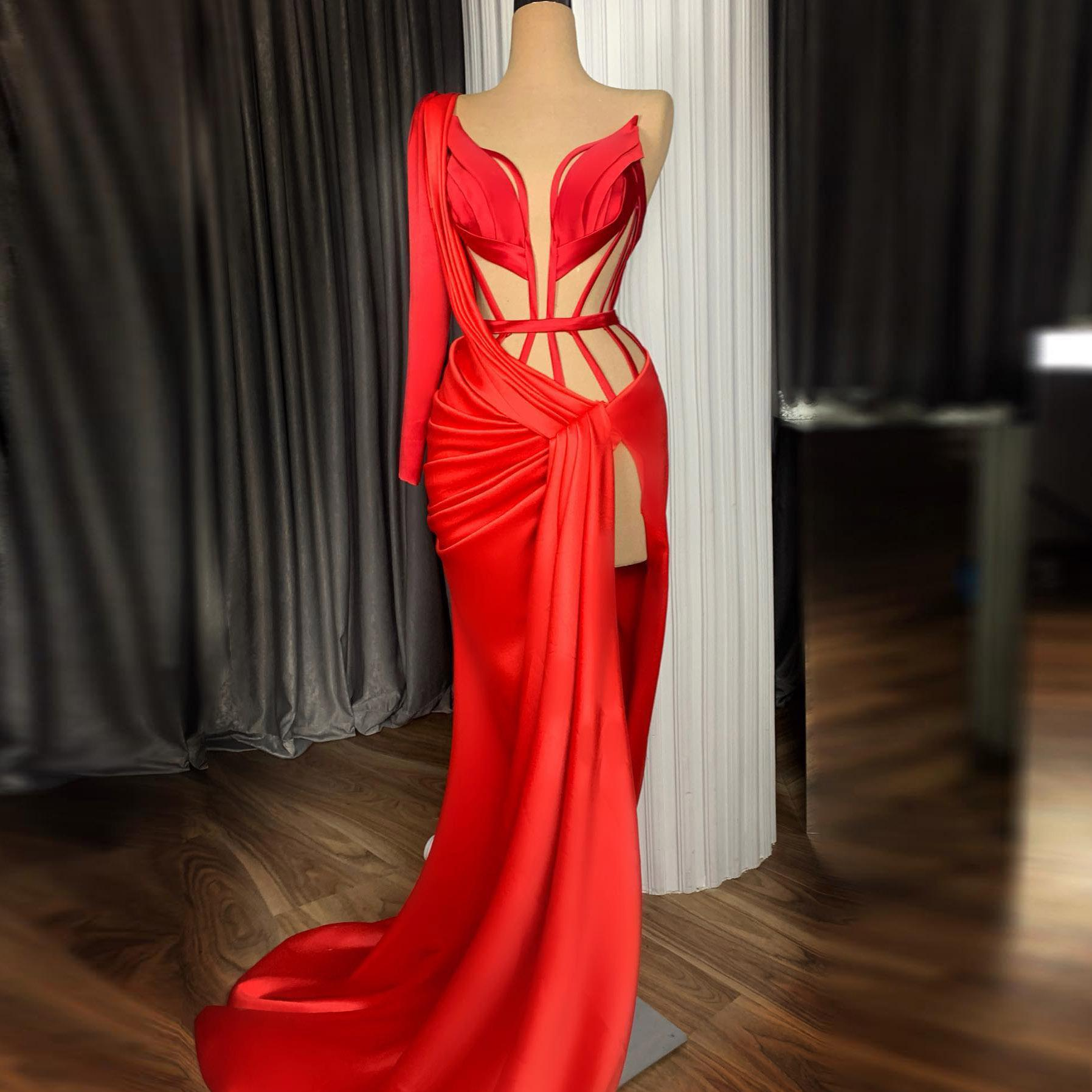 Sexy Vermelho Ilusão Alta Lateral Split Longo Prom Vestidos Um Ombro Cetim Tapete Vermelho Vestidos De Prom Vestidos Formal Vestidos De Noite Abendkleider