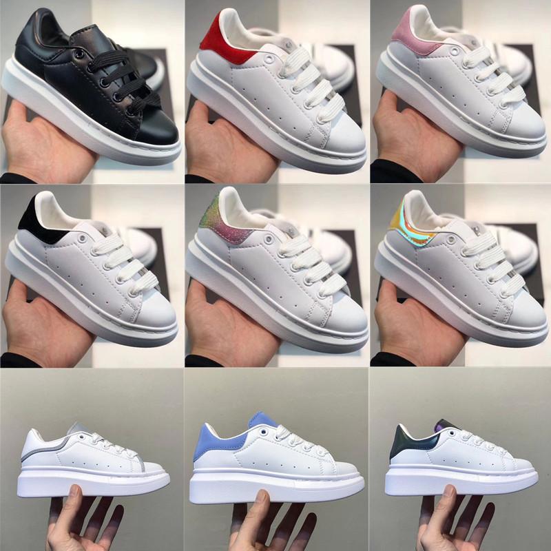 أطفال الجري أحذية الرضع المدربين أسود أزياء بيضاء أنماط ملونة الصقيع الصقيع الصغار الفتيات الطفل العجل جلد بريق أحذية رياضية