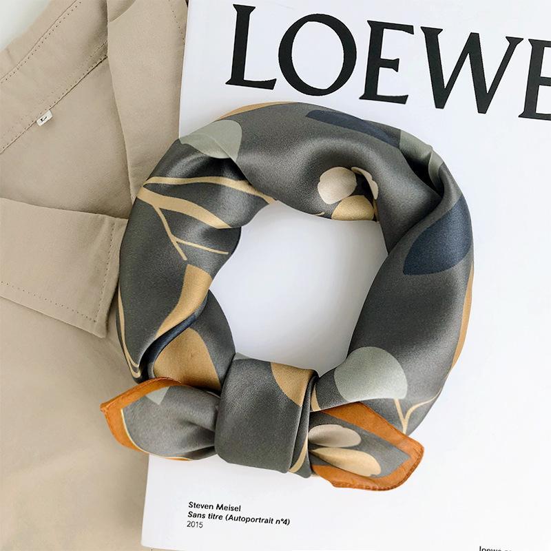 Primavera e mulberry seda pequeno quadrado lenços mulheres outono estilo estrangeiro fashion presentes versátil lenço de faixa de cabelo longo fino