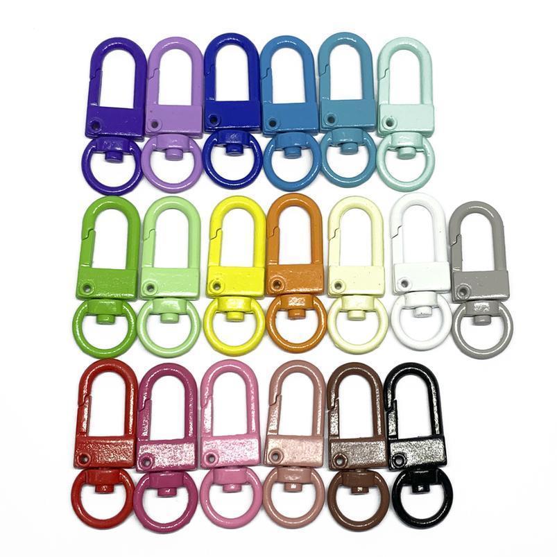 19 colores 10 unid / lote llaveros cuadrados llaveros Class de langosta ganchos llavero llavero llavero anillos para listones de listones pom pom keychain joyería jllpjb
