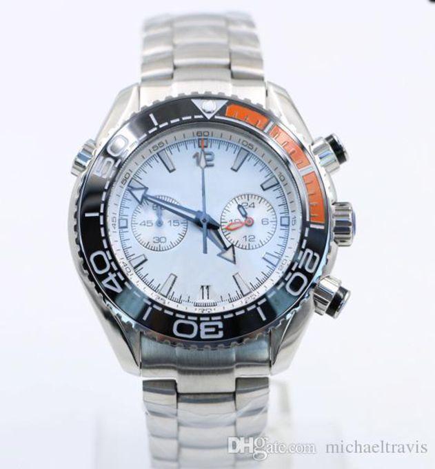 Masculine mens 44mm Quarz Chronographe Argent Diver Bracelet Montre-montre célèbre Bezel Céramique Boucle de papillon