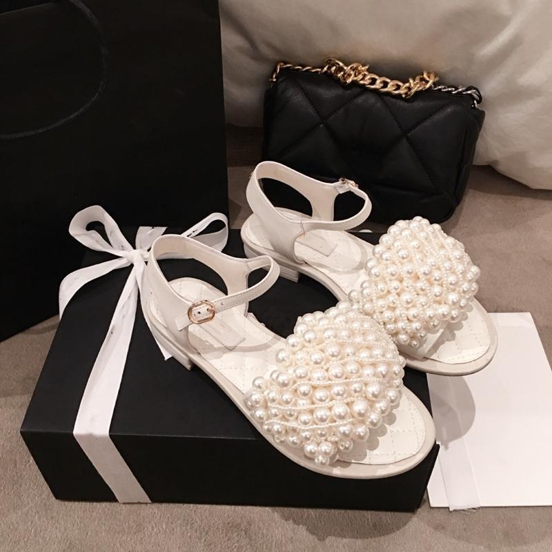 Sandalet Kadınlar Inci Dekor Sandalias De Las Mujeres Bling Kristal Kare Topuklu Siyah / Beyaz Gerçek Deri 2021 Tasarımcı Moda
