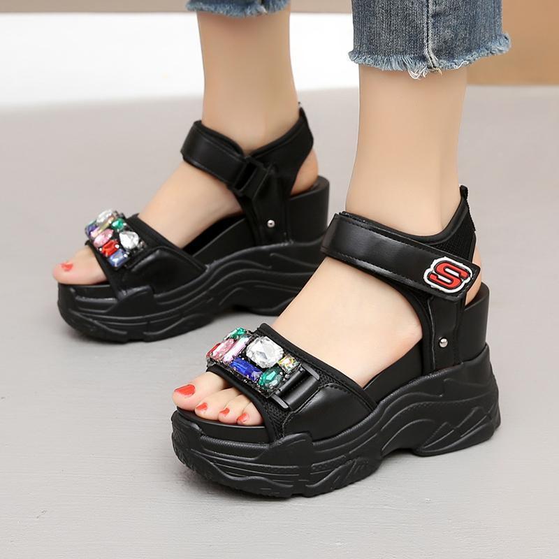 Sandals Pu en cuir strass plate-forme creuse dames casual chaussures de casse-coréen Version coréenne confortable peep orteil coins romains