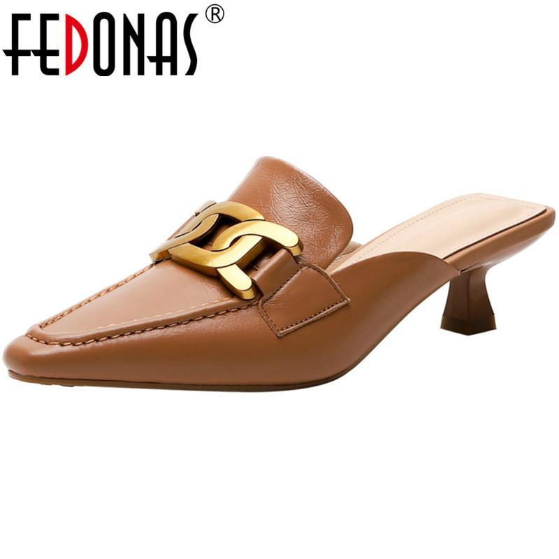 Fedonas klassisch design frauen maultieren metall dekoration quadrat sandsals für frauen echtes leder büro dame grundlegende schuhe frau
