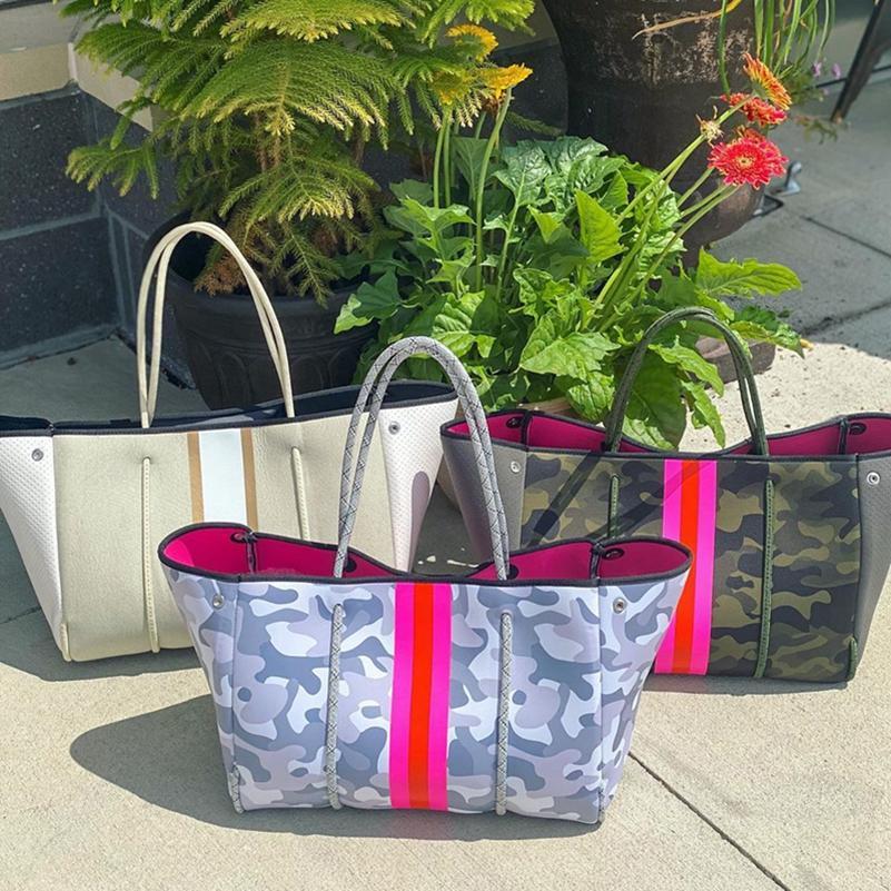 Fashion Neoprene Women Beach Bag Fashion Trapeze Beach Tote Bags Punched Hole Handbags Shoulder Bag Women Party Bags sea shipping LLA363