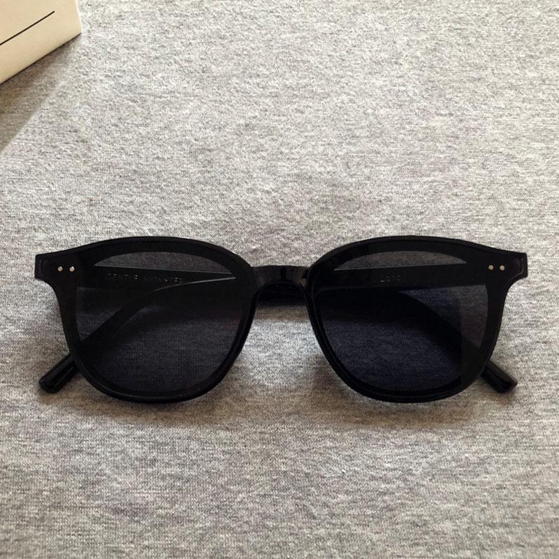 Güneş Gözlüğü 2021 Kadınlar Marka Tasarımcısı Moda Lady Nazik Oval Güneş Gözlükleri Vintage Canavar Retro UV Lang