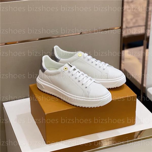 المطبوعة العجل جلد حذاء 3-D نمط محفورة الثقوب رجل عارضة أحذية مرتفعة تسولي المرأة مصممي مصممي أحذية وقت خارج حذاء