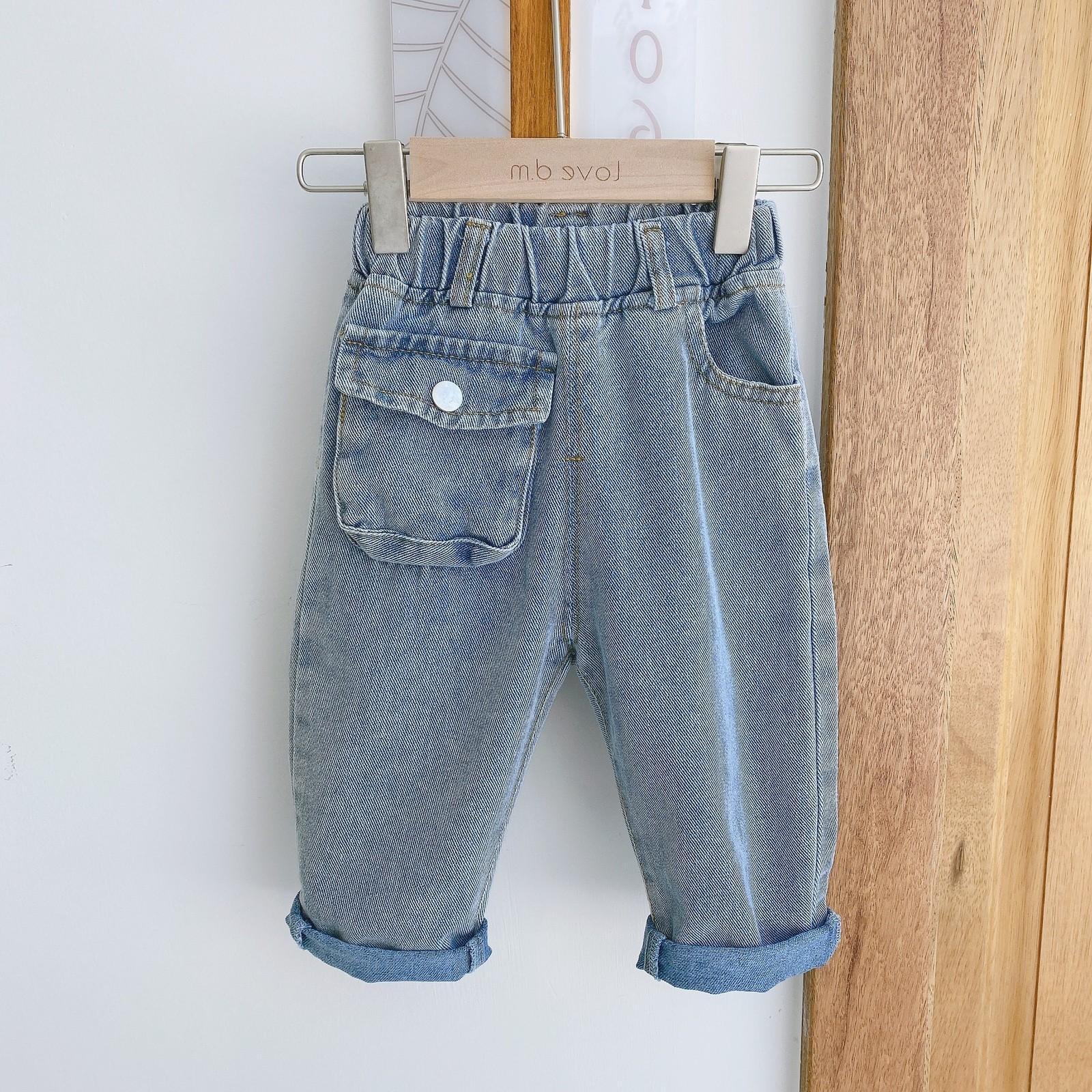 Macacões de estilo estrangeiro infantil 2021 primavera meninos e meninas grandes bolso maciço calças de denim macio EK130