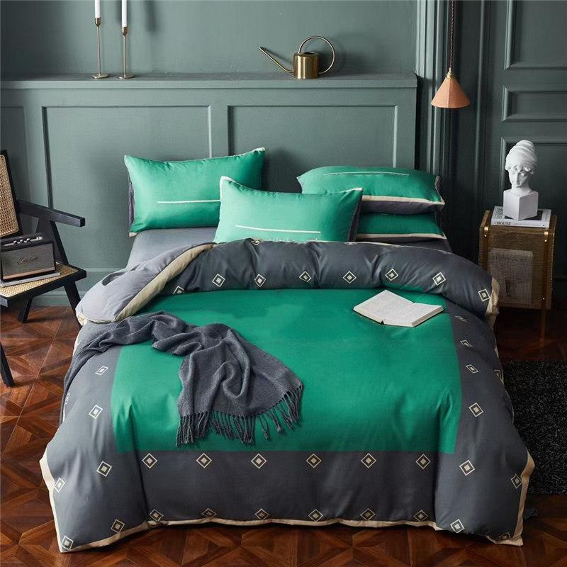 Green Letter Bedding Sets Small Square Stripes Autumn And Spring Family Comforter Cover Sets Comfort 4 Pieces Duvet Cover