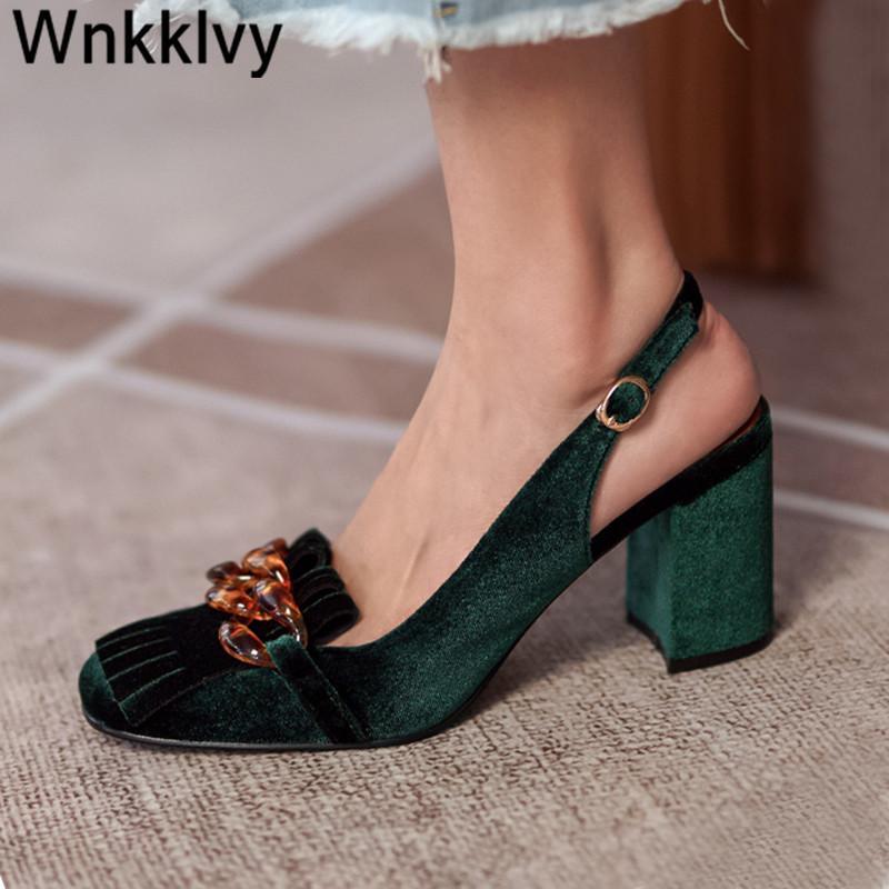 Yaz Tıknaz Yüksek Topuk Sandalet Kadınlar Retro Kadife Sığ Ağız Slingback Kristal Zincir Saçak Püskül Ziyafet Ayakkabı Pompaları 210302