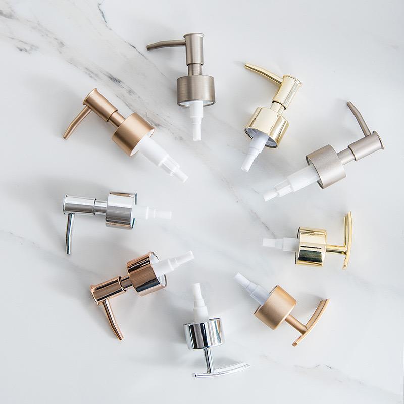 Distributeur de savon en acier inoxydable Distributeur de buse en mousse de buse de mousse Shampooing douche gel pompe têtes de bouteille cosmétique accessoires métalliques solides haute qualité