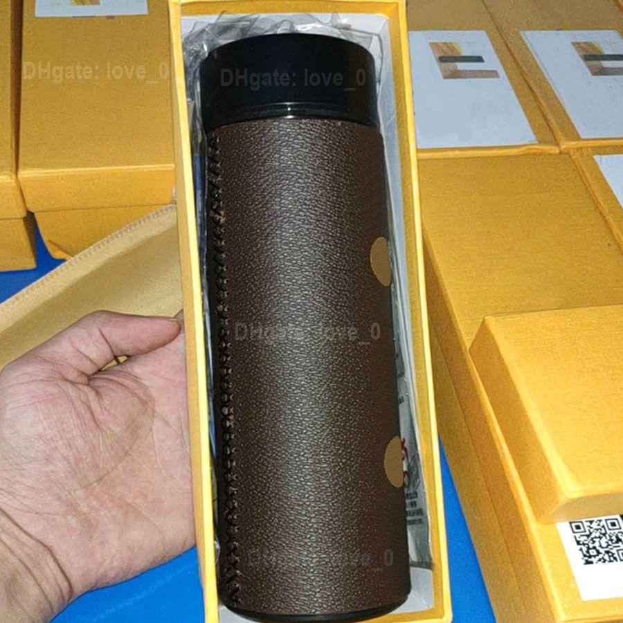 Fashion Marque LED Mugs Smart Tasses Température Couvercles d'affichage 2021 Concepteurs de luxe designeurs en acier inoxydable Tobe à thé Tasse d'isolation Bouteilles Mugs2022