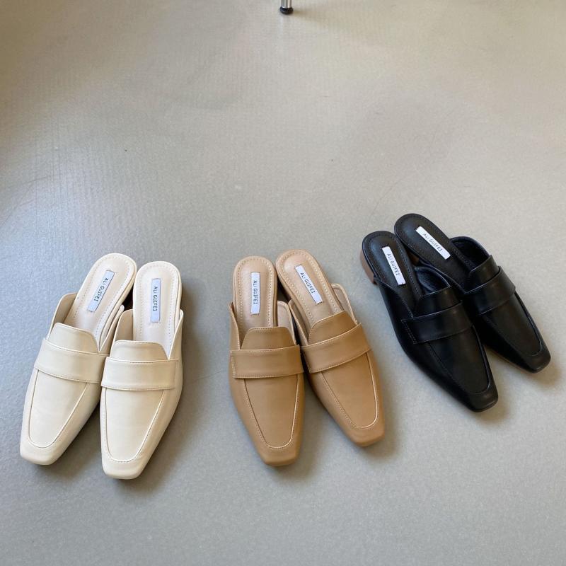 Обувь Дамские тапочки Роскошные слайды покрытия Toe Minkers Женщины Низкий квадратный каблук дизайнер мягкий 2021 блок лаконичный резиновый римский копыт H