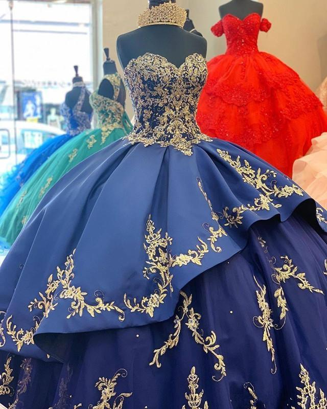 Fashionable Royal Blue Gold Applique Ball Gown Quinceanera Dresses Sweetheart Sweet 16 Tiered Sweep Train Prom Dress Celebrity Gowns Vestidos Robes