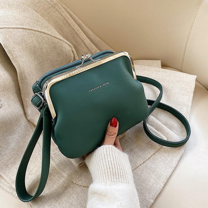Borse a mano classiche Donne 2021 Vendita calda Nuovo Designer Cell Phone Borsa Cute Crossbody Bags per donna Borsa nera Piccola clutch in pelle