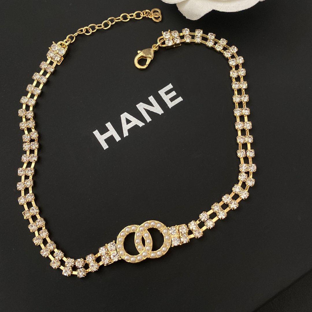 Collar de diseño WOMEngold con incrustaciones con incrustaciones con incrustaciones de la cadena de la cadena de la verbena de las mujeres del diamante.