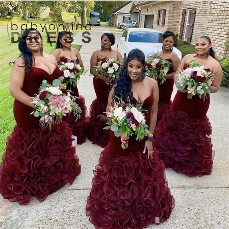 Borgogna abiti da damigella d'onore Spacciata con scollo innamorato Ruffles Ruffles Mermaid Pavimento lunghezza Plus Size Maid of Honor Gowns Country Wedding Wear