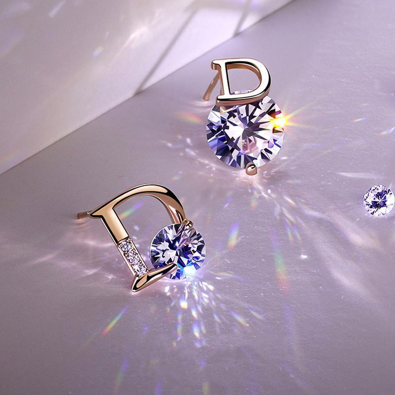 Goujon européen et américain mode D Lettre de boucles d'oreilles asymétriques Femmes Partie Cubic Zircon Dame