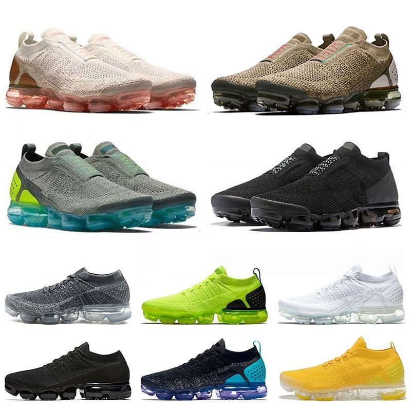 Black Light Cream Boots MOC 2 Mens Scarpe da corsa Des Chaussures Knit V2 University Gold Sail Moon Zapatos Trainer Donne Sneakers sportive