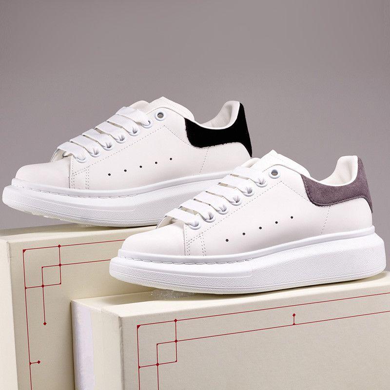 Hombres de alta calidad para mujer Plataforma de Velas negras Zapatos casuales Traineradores de cuero blanco Confort Bonita niña Venta al por mayor Estilo Skateboarding Shoe 36-44
