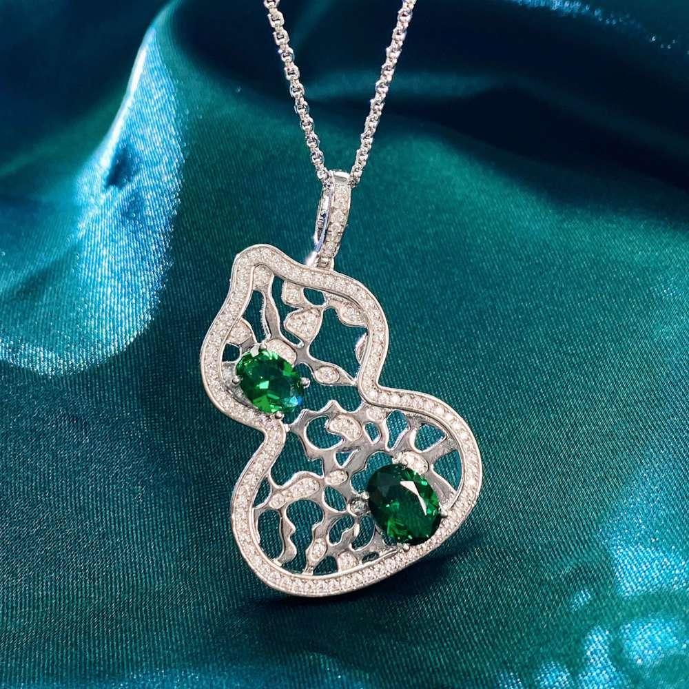 HBP Fashion Luxury 925 Sterling Silver Collar Female Classic O-en forma de cadena con incrustaciones con diamante verde Irregular Huele a la calabaza colgante