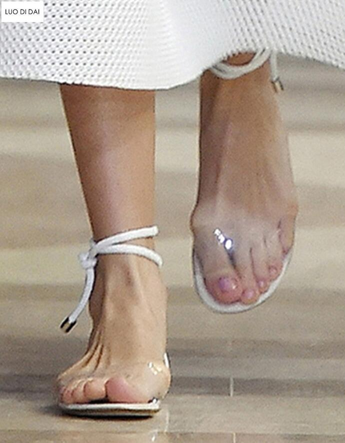 2021 Moda Mujeres Sandalias Party Sandals Party Zapatillas de encaje Sandalias Sandalias Zapatillas de Pista Verano Gladiador PVC POTO ABIERTO