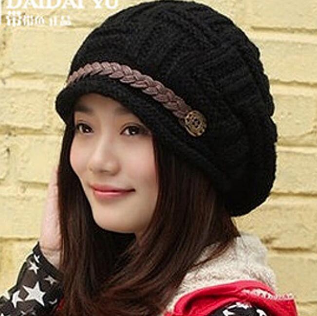 Vinter nya mode kvinnor hattar solid färg svart damens kepsar försäljning akryl varm kvinna huvudbonader höst hatt för kvinnlig