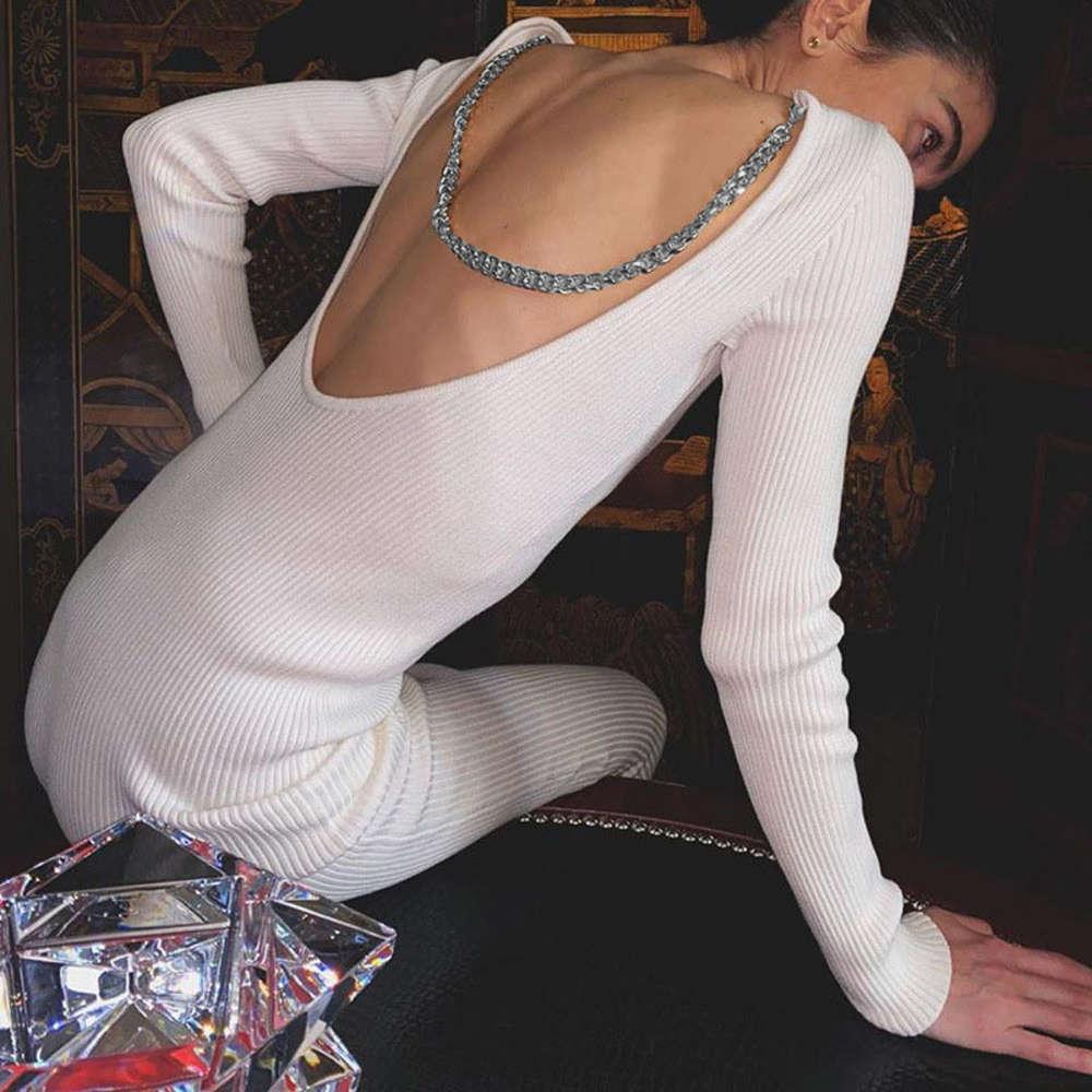 Mode Sexy S-Kette offenes Rücken gestricktes Kleid mit langen Ärmeln und Gesäß