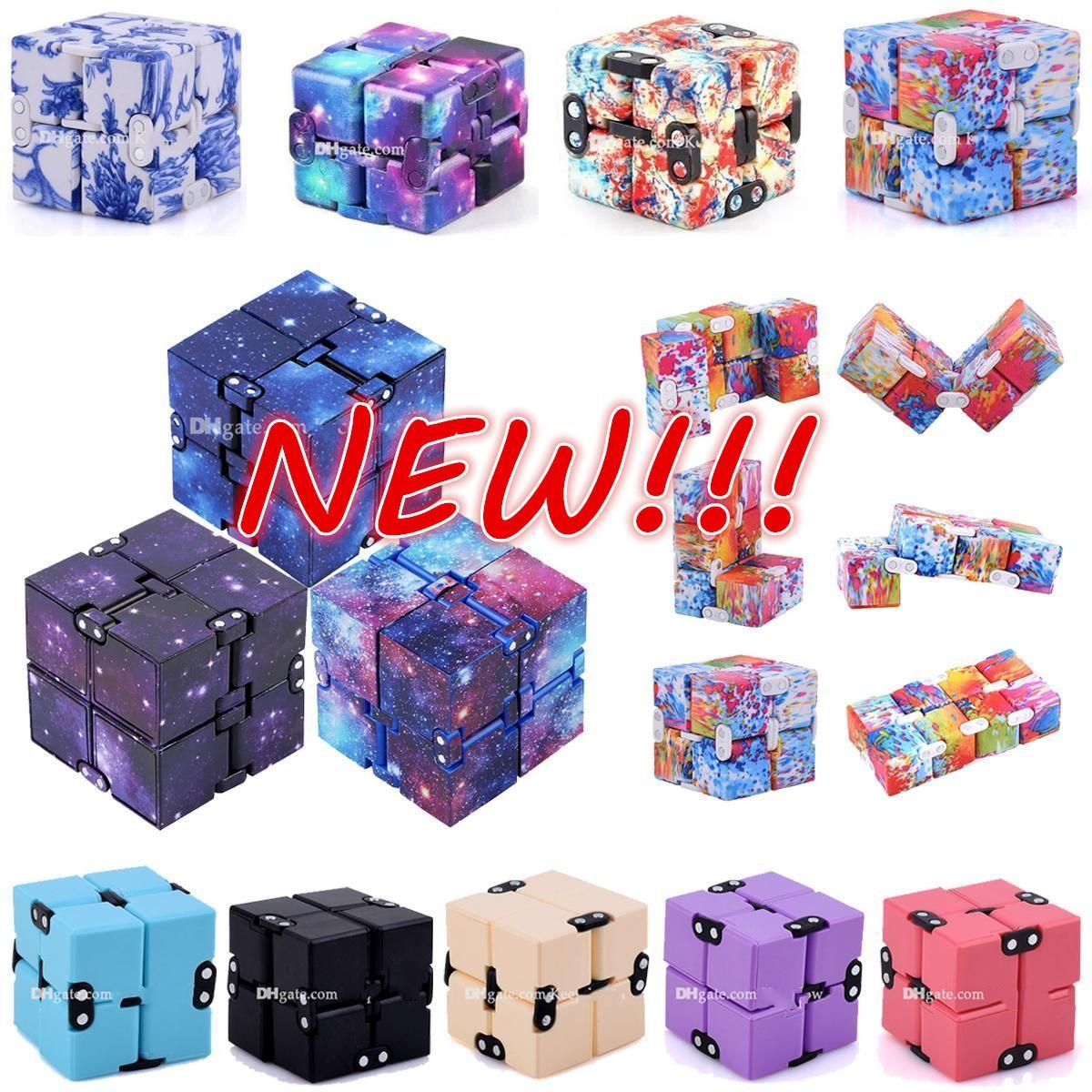 Nouveau Tiktok Infinity Noël Noël Magic Creative Sky Fidget Antistress Toys Toys Office Flip Puzzle Mini Blocs Décompression Funny Jouet Party cadeaux