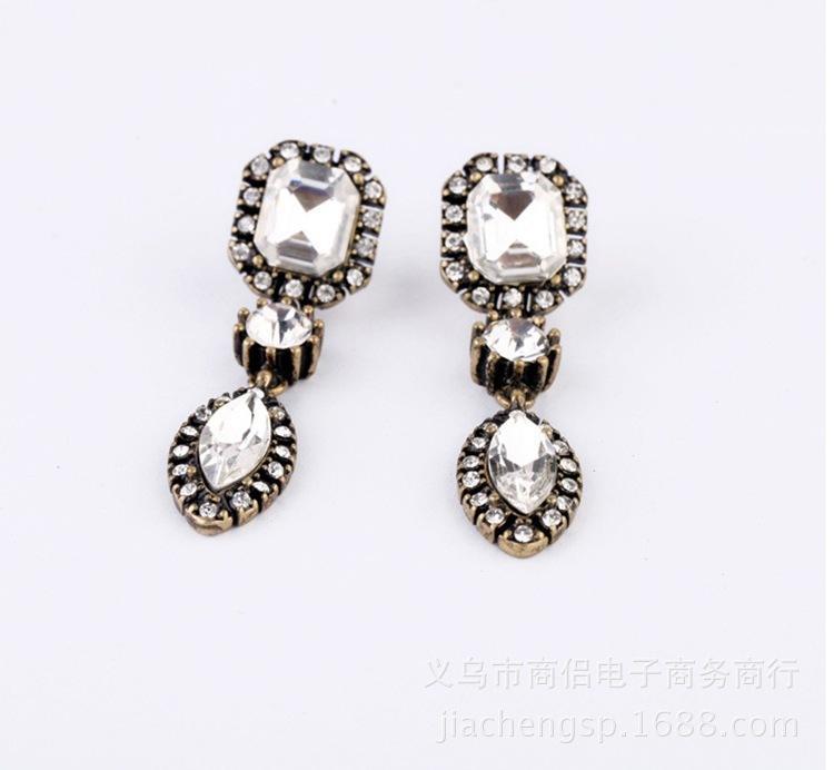 여성을위한 인기있는 새로운 맞춤형 다이아몬드 귀걸이