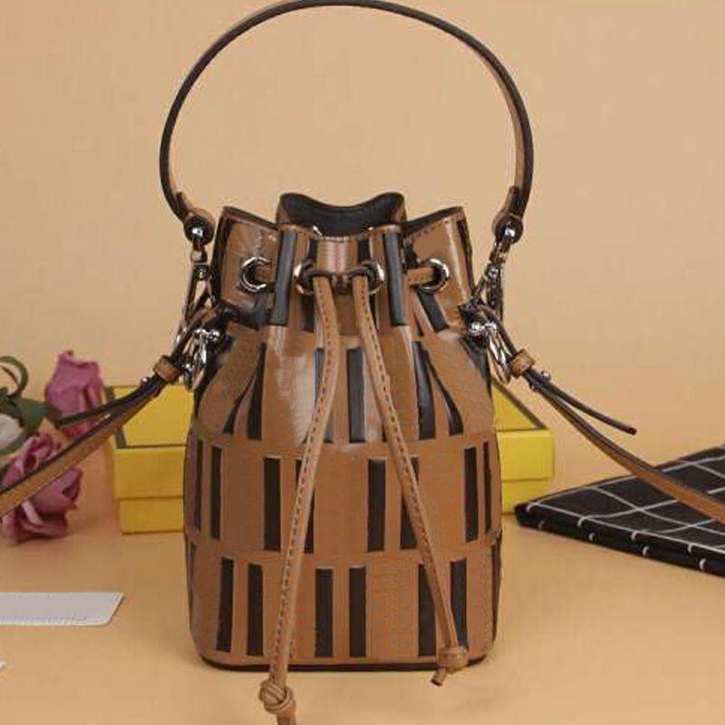 النساء دلو حقيبة سيدة حقائب الكتف محفظة جودة عالية المرقعة لون جلد طبيعي سلسلة تنقش الطباعة حقيبة نمط الكلاسيكية