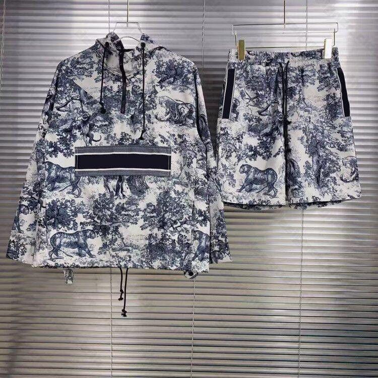 Womens Mens Designers Tracksuits 스웨터 정장 후드 캐주얼 패션 컬러 스트라이프 인쇄 후드 반바지 스커트 스웨터 야생 통기성 긴 소매 티셔츠