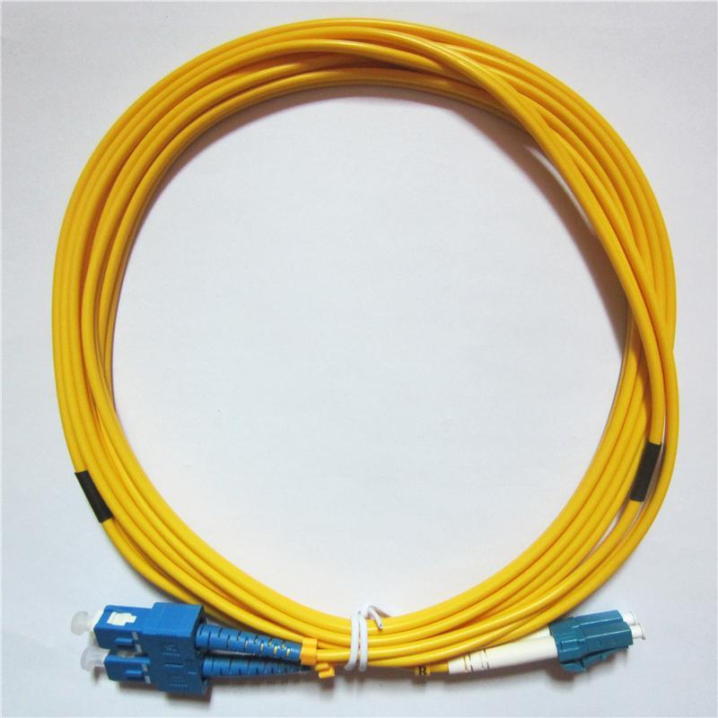 Vente directe d'usine Telecom Grade Qualité Câble de correctif à fibres optiques de qualité 3M LC / UPC à SC / UPC Duplex OS1 Mode Single PVC (OFNR) 3.0mm