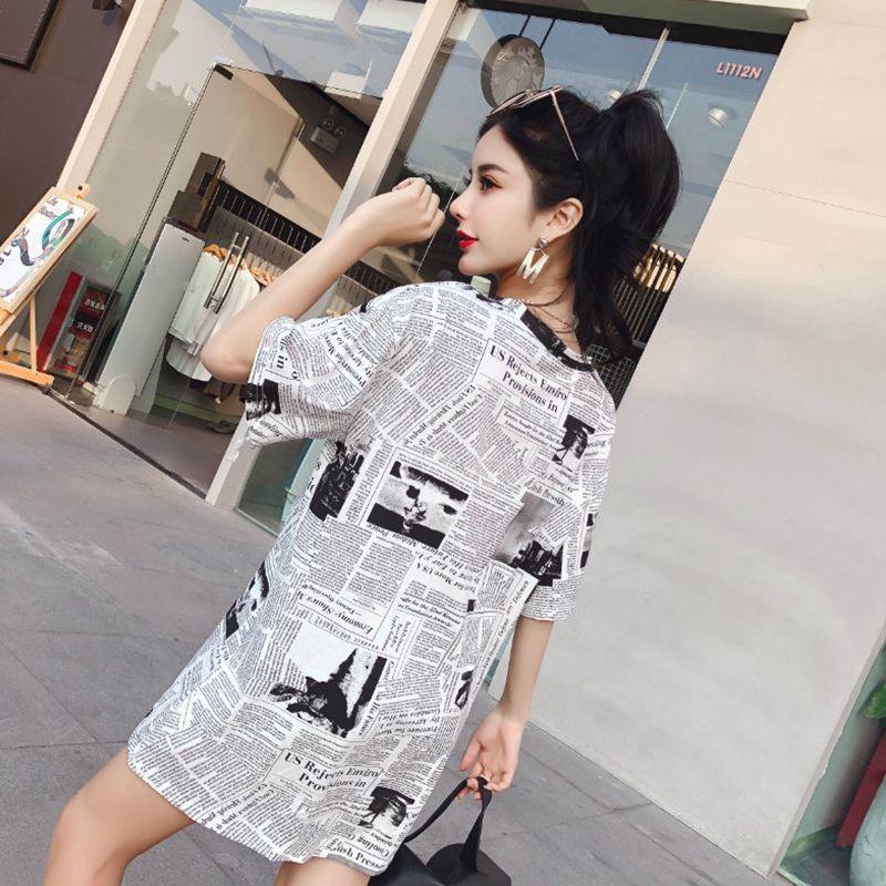 Papel de notícias das mulheres camisetas Letras de estilo longo Imprimir manga curta Harajuku faculdade meninas gráfico tees mulher tops sp435