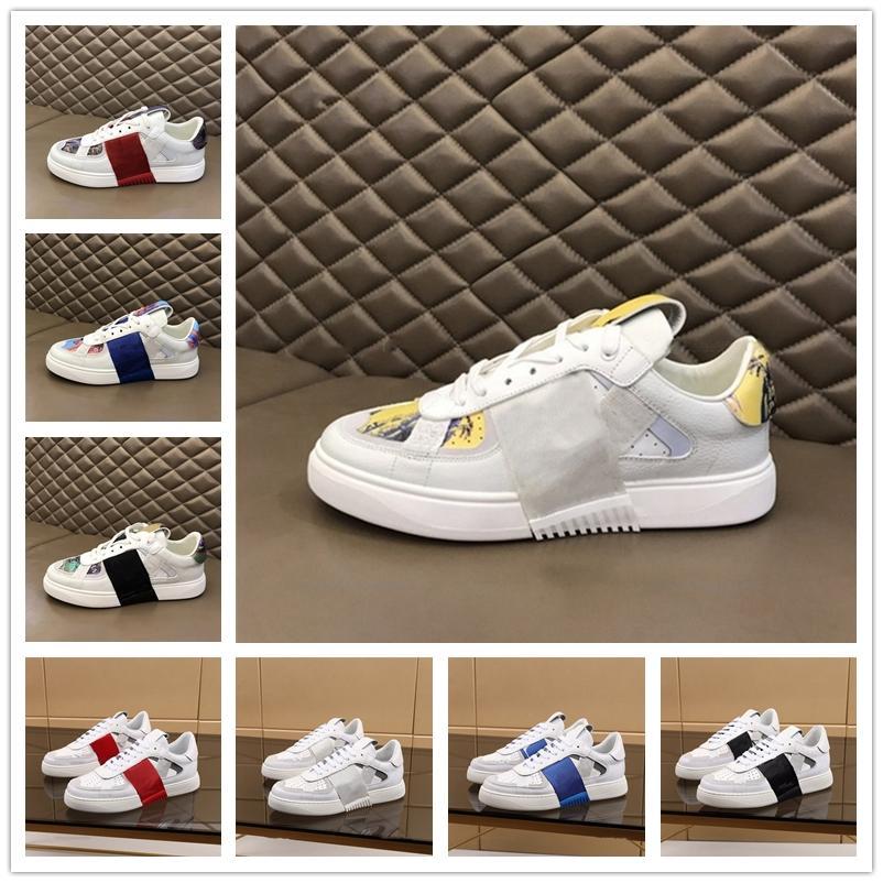 [Con caja] VALENTINO Shoes nouvelle mode 2020 cloutée Triple blanc VLTN Chaussures de course Hommes Femmes Sport Chaussures Casual vache Baskets en cuir