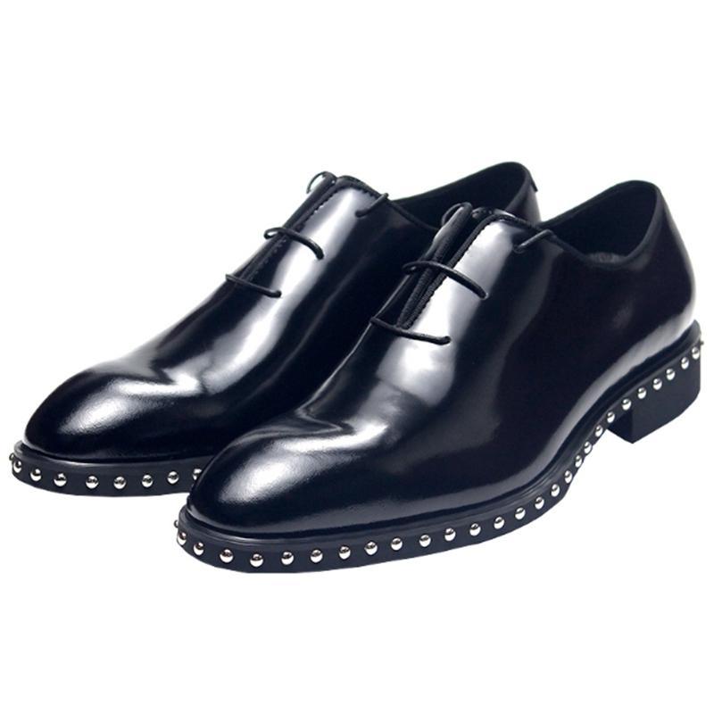 Homme en cuir breveté chaussures à la main chaussures à la main de lacets de lace de mode Nouvelle formelle Chaussures d'affaires Spring Automne Brogue Derby Chaussures Hombre Sapatos 210312