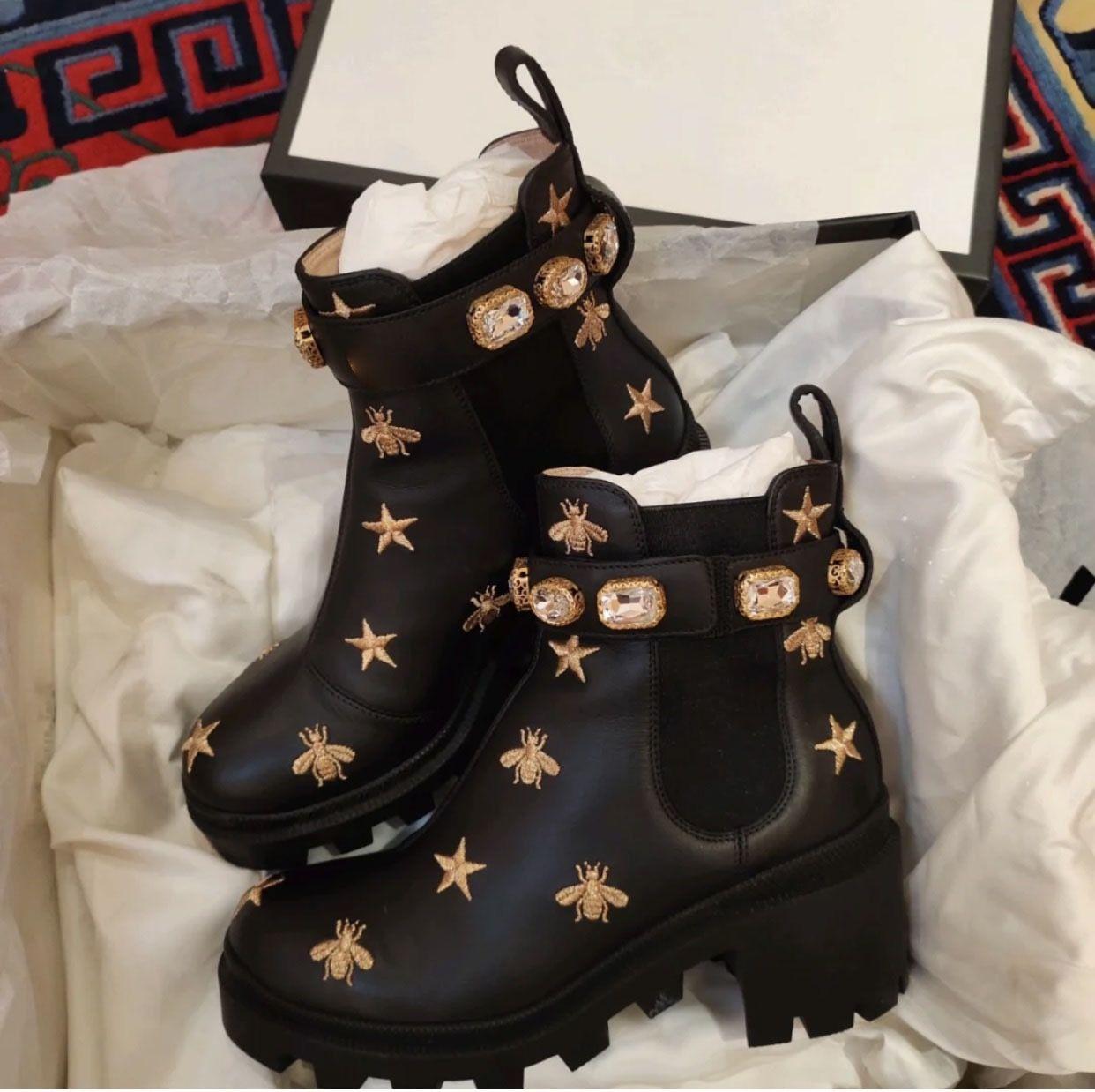 2021 المرأة مصمم الأحذية مارتن الصحراء التمهيد فلامنجوس الحب السهم 100٪ جلد حقيقي ميدالية خشنة عدم الانزلاق أحذية الشتاء حجم US5-11