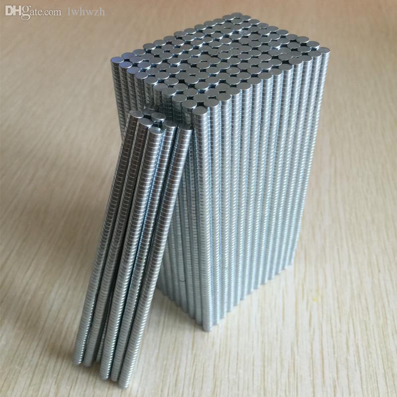 100pcs / lot multipurpose starka runda ndfeb magneter dia3x1mm N35 sällsynt jordartsmetod Neodymium permanent hantverk DIY-magnet