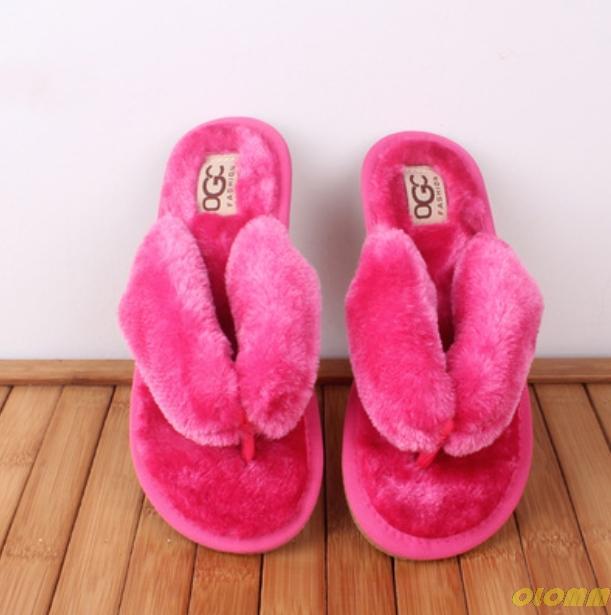 Sommer-Waschbär-Pelz-Hausschuhe für Frauen flauschige echte Haar-Folien Plüsch Home Sandalen Mode niedlichen Regenbogen Flip Flops Damenschuh