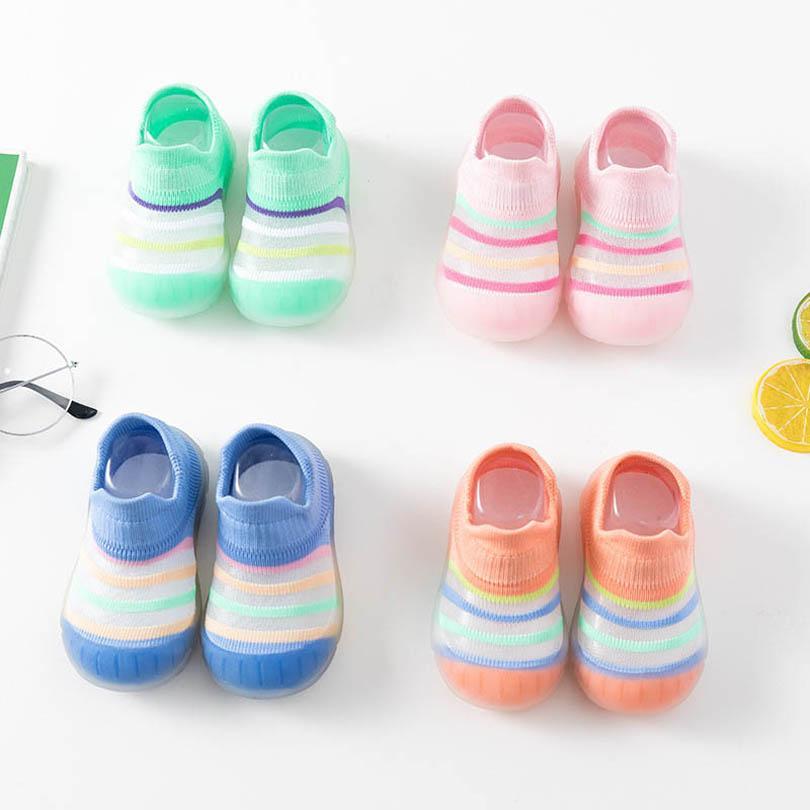 أحذية الطفل الرضع أول ووكر الأحذية الأخفاف لينة طفل الأحذية الوليد الطابق الجوارب الفتيان الفتيات ارتداء مخطط قوس قزح B6480
