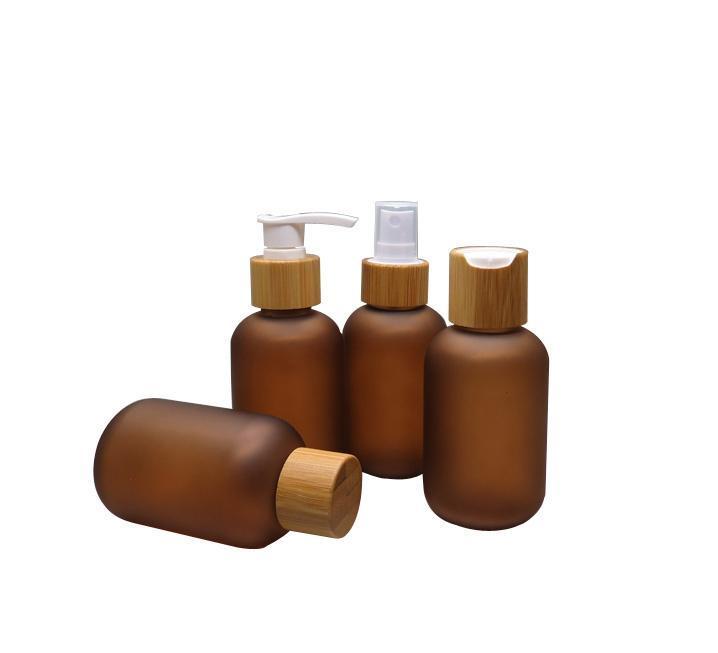 392pcs 120ml Bottiglia di liquido cosmetico smerigliato in ambra con tappo di bambù (coperchio a vite / ugello della pompa / atomizzatore di spruzzo / coperchio di chiaki) all'ingrosso
