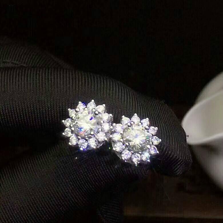 MDINA Top Quality Moissanite Stud Earrings 925 Sterling Silver Fashion Flower Earrings Fine Jewelry for Women