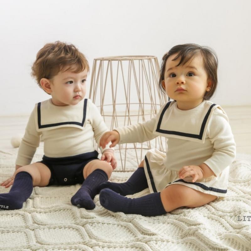 Recém-nascidos roupas infantis 2021 novas crianças coreanas roupas espanhol bebê meninos macacos menina criança vestido conjunto irmã irmã outfit 210303