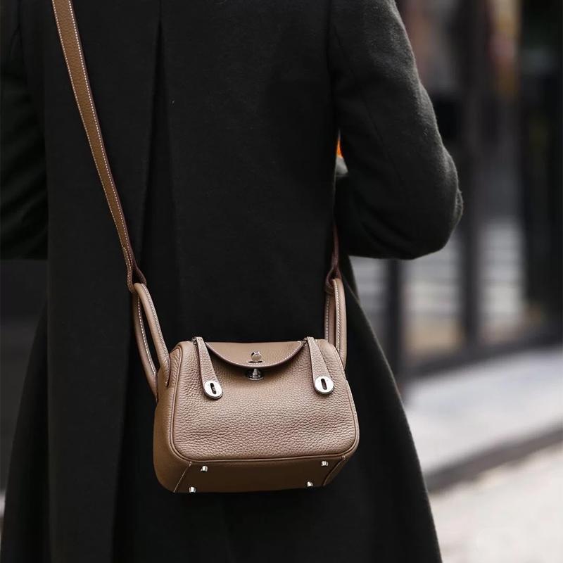 정품 가죽 여성 가방 H 별 같은 스타일의 Litchi 패턴 가죽 원 숄더 핸드백 가방 의사 가방