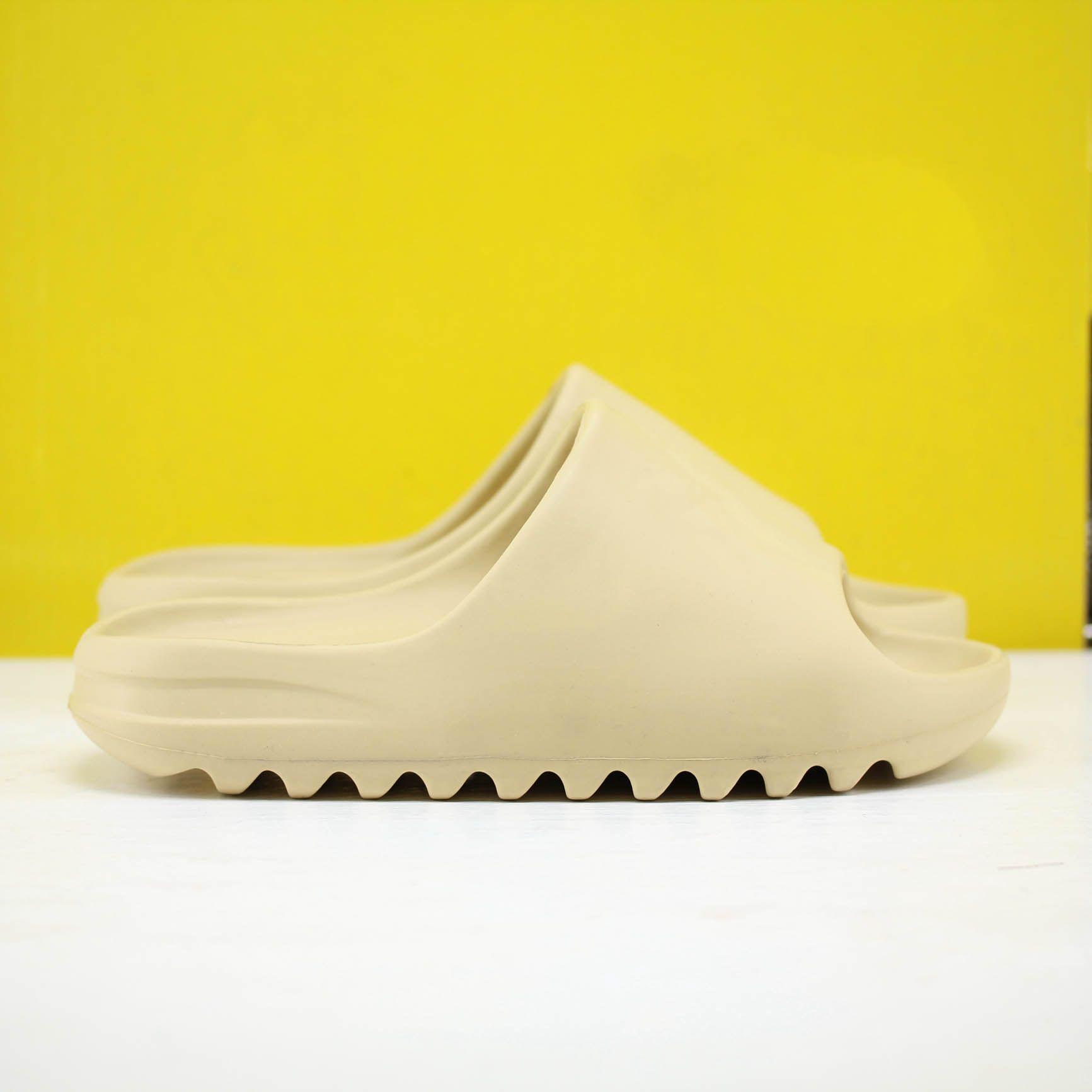 2021 Мужчины Flip Plops Beach Морские тапочки Дизайнерские Обувь Слайды Летняя мода Широкие скользкие толстые сандалии тапочки с коробкой высокого качества