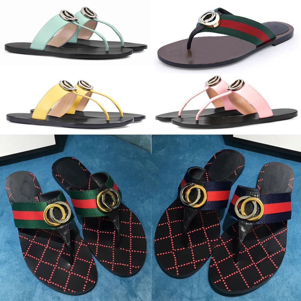 Designer Slipper Mens Sandales d'été Femmes Mode Hommes Plage Intérieur Intérieur Flip Flops En Cuir Dame Diapositive Femmes Chaussures Femmes Chaussons de causalité Femmes