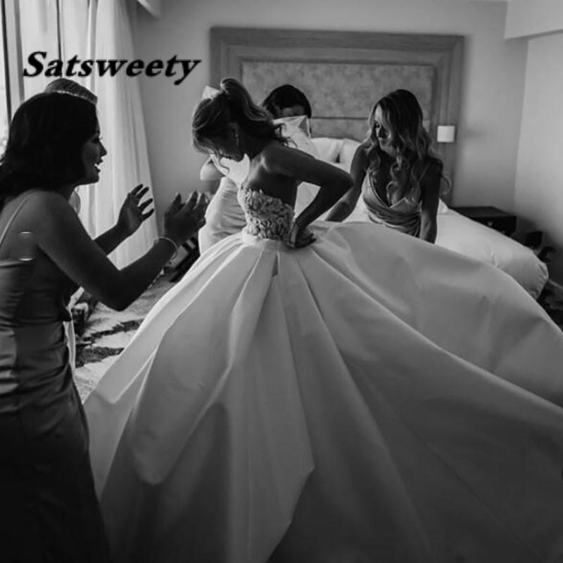 Princess Wedding Dresses Satin Sweetheart Lace Bridal Gowns Long Train Ivory Bride Ball Gown