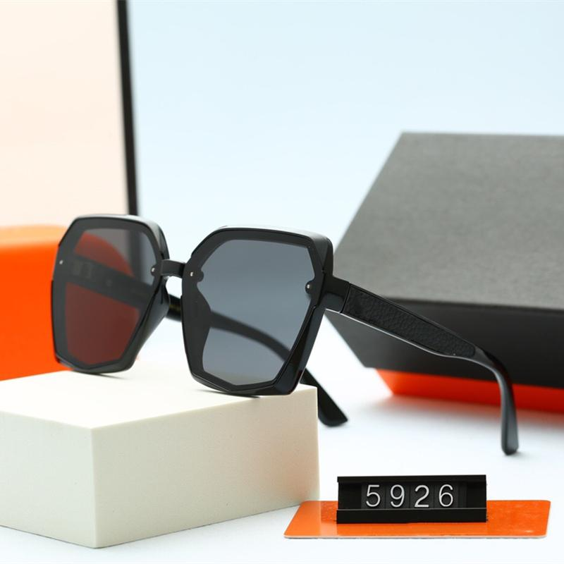 خمسة ألوان الرجال النساء النظارات الشمسية الأزياء عارضة مصمم فاخر جودة عالية hd الاستقطاب عدسات القيادة نظارات مع حزمة 5926