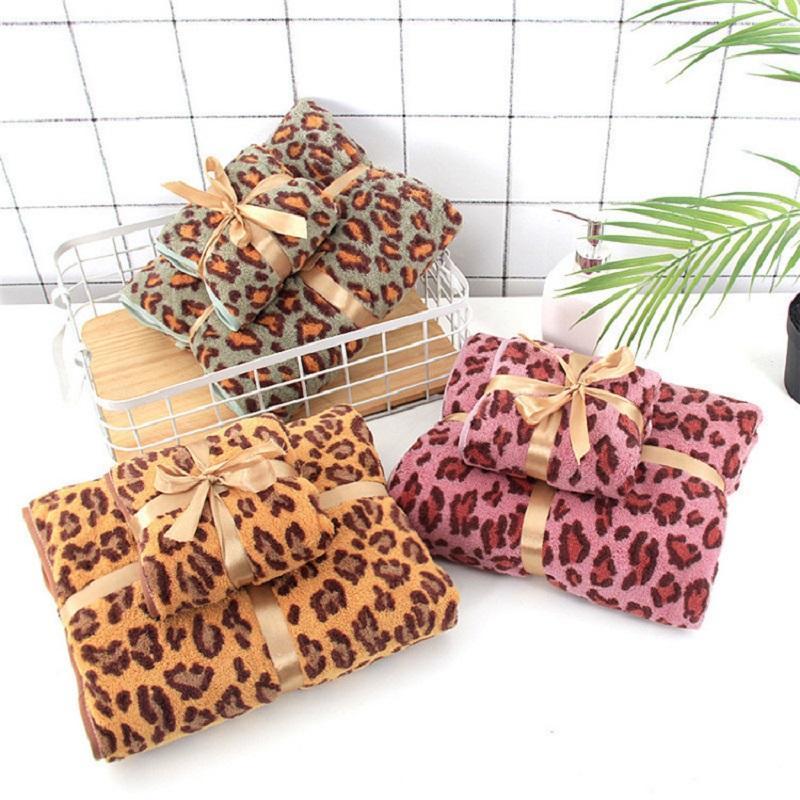 2 PCS / Set Leopard Imprimir Banheiro Toalheiro Conjunto de Toalhas de Veludo Coral Toalhas de banho para adultos Água Absorvente Toalha de Banho Navio de Drop